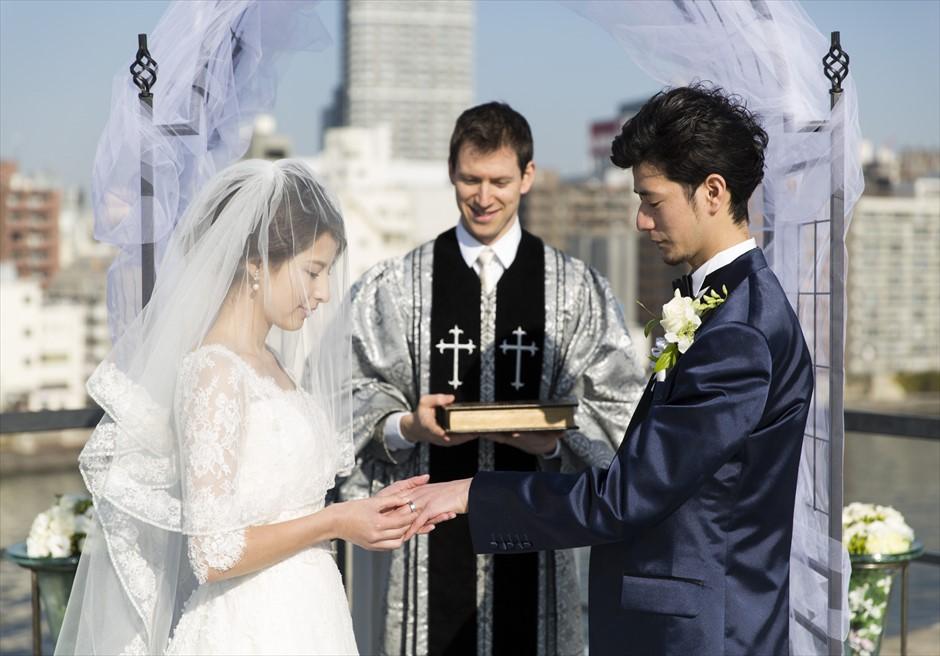 ヴァンス東京・ウェディング リバーサイド・ウェディング 指輪の交換