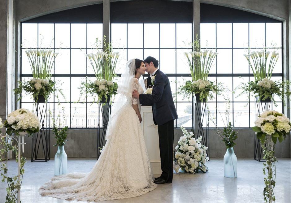 ヴァンス東京・ウェディング ラグジュアリー・ウェディング 誓いのキス